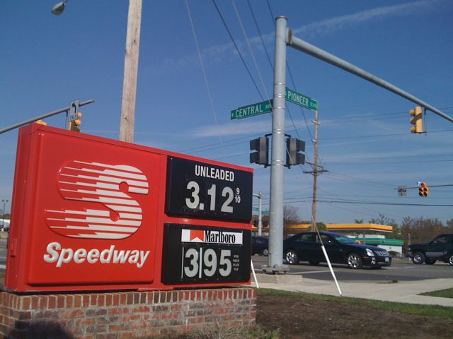 Speedway on Rt 73 in Springboro gas is at $3.12 per gallon on 10/5/08