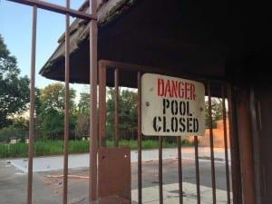 Photo of Danger Pool Closed sign at Dayton's Five Oaks pool