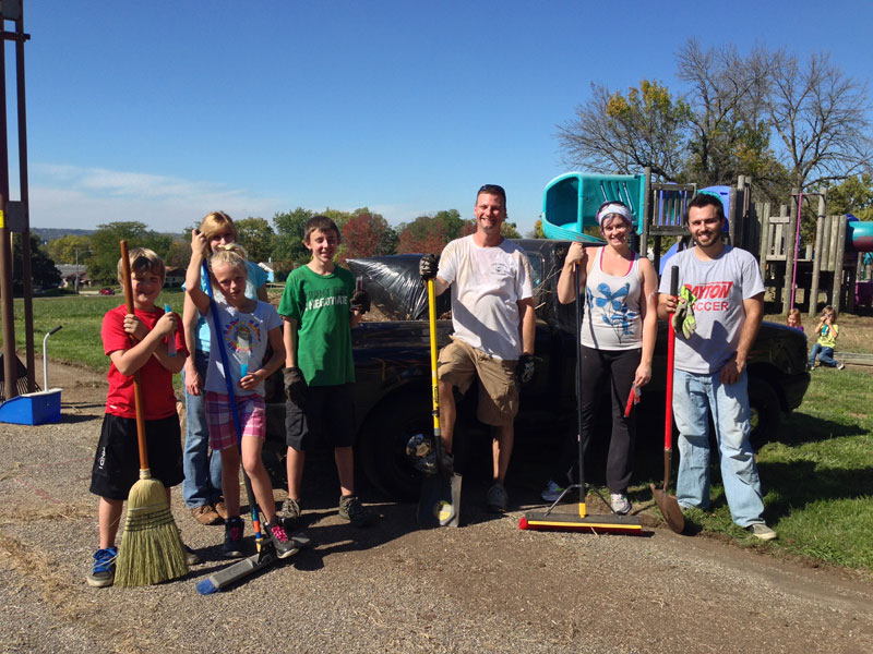 Photo of the crew that cleaned up Orville Wright park